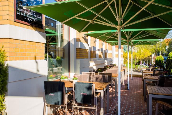 Bei schönem Wetter genießen Sie ihr Brunch auf der Terrasse des Restaurant Stresa